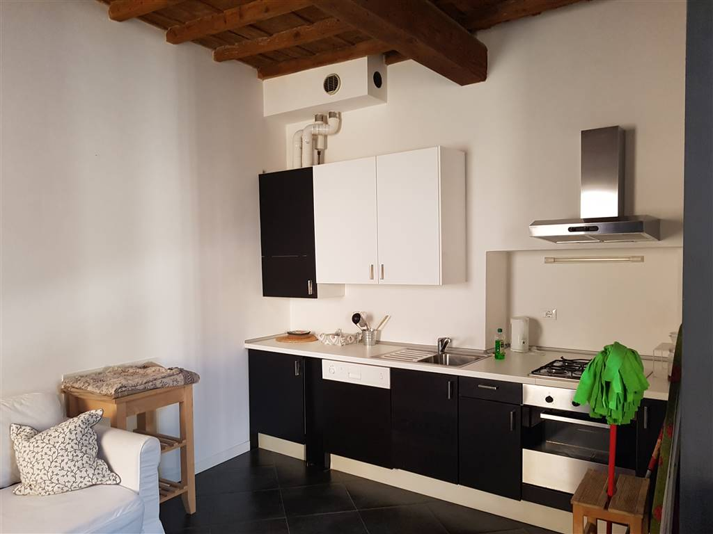 PONTE VECCHIO, FIRENZE, Apartment for rent of 48 Sq. mt., Excellent Condition, Heating Individual heating system, Energetic class: D, Epi: 208,16