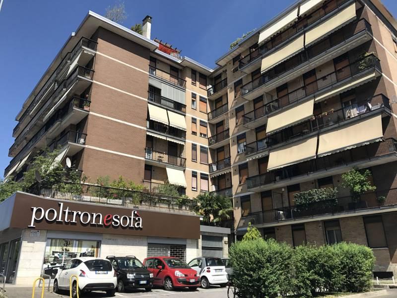 Trilocale in Via Lecco 122, Parco (vedano), Monza