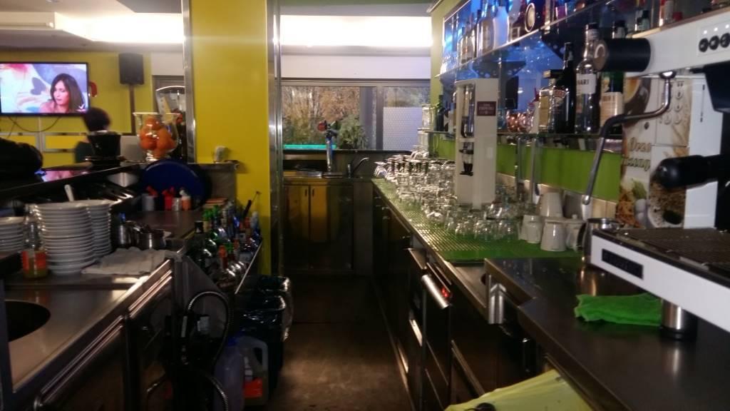 Attività commerciale in Via Monte Grappa, Muggio'