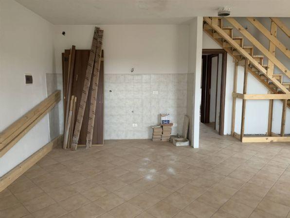 Appartamento in vendita a Reggello, 6 locali, zona Località: VAGGIO, prezzo € 250.000 | PortaleAgenzieImmobiliari.it