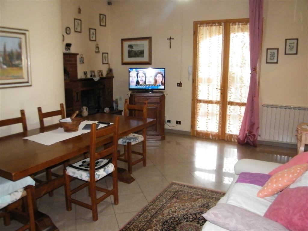 Appartamento indipendente, Faella, Pian Di Sco, seminuovo