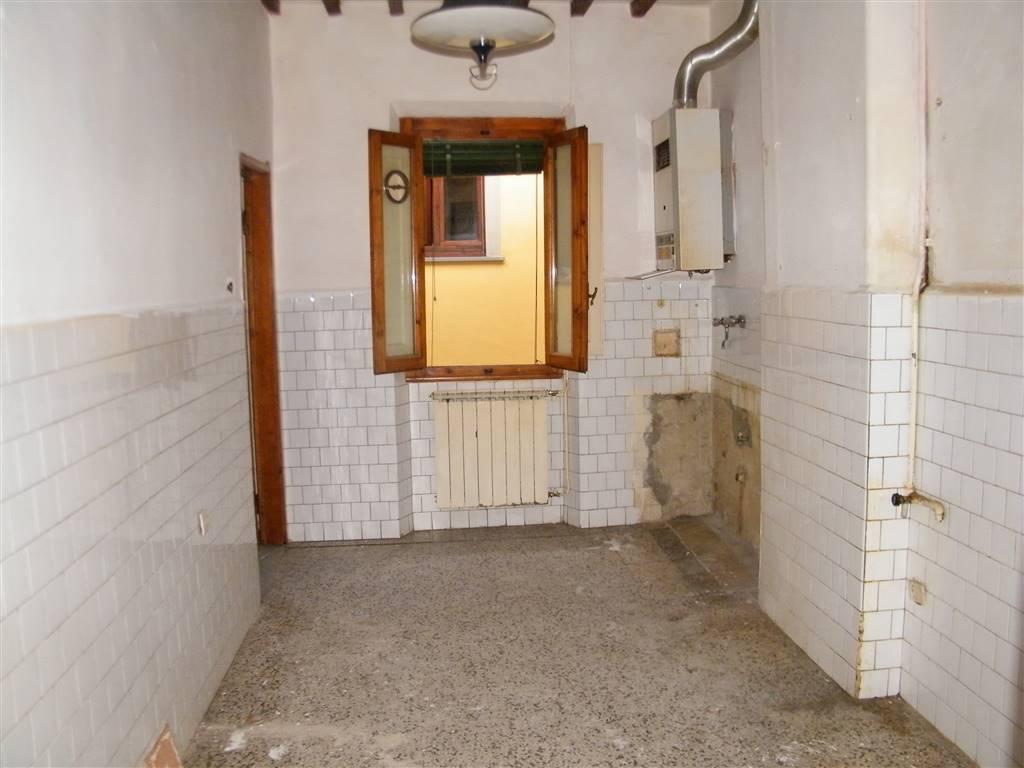 Trilocale, Centro, San Giovanni Valdarno, da ristrutturare