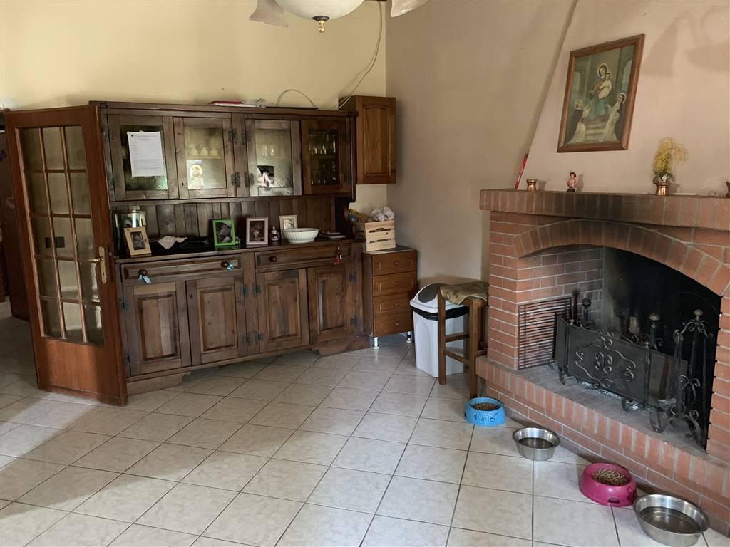 Appartamento in vendita a Figline e Incisa Valdarno, 7 locali, zona Località: FIGLINE VALDARNO, prezzo € 180.000 | PortaleAgenzieImmobiliari.it