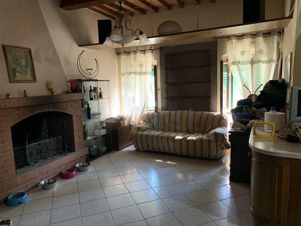 Appartamento in vendita a Figline e Incisa Valdarno, 7 locali, zona Località: FIGLINE VALDARNO, prezzo € 185.000 | CambioCasa.it