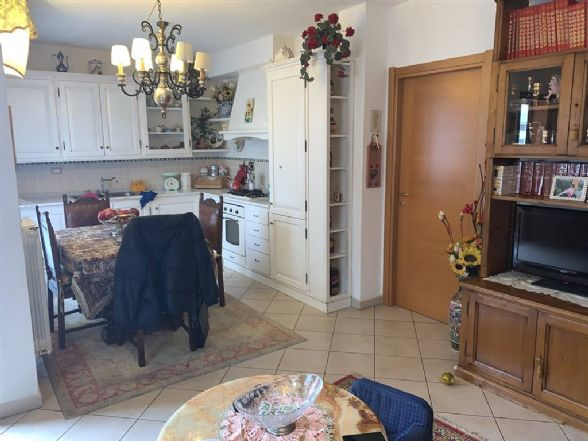Appartamento in vendita a Figline e Incisa Valdarno, 4 locali, zona Località: COOP FIGLINE, prezzo € 285.000 | PortaleAgenzieImmobiliari.it