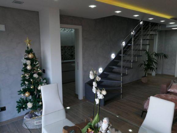 Appartamento in vendita a Figline e Incisa Valdarno, 6 locali, zona Località: POGGIO ALLA CROCE, prezzo € 450.000 | PortaleAgenzieImmobiliari.it