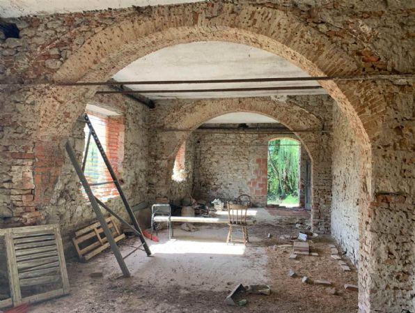 Soluzione Indipendente in vendita a Castelfranco Piandiscò, 16 locali, zona Località: CASTELFRANCO DI SOPRA, prezzo € 450.000 | CambioCasa.it