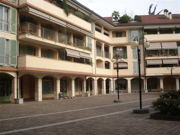 Ufficio / Studio in affitto a Arcore, 4 locali, zona Località: STAZIONE, prezzo € 1.315   CambioCasa.it