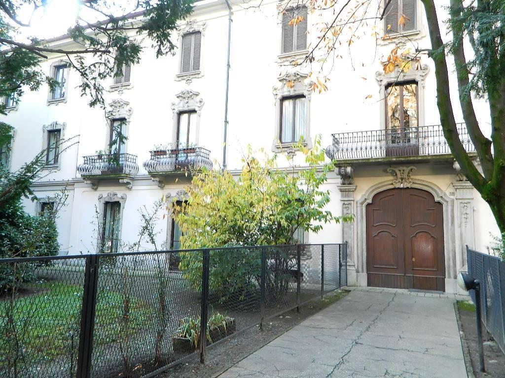 Appartamento in affitto a Monza, 2 locali, zona Zona: 7 . San Biagio, Cazzaniga, prezzo € 700 | CambioCasa.it