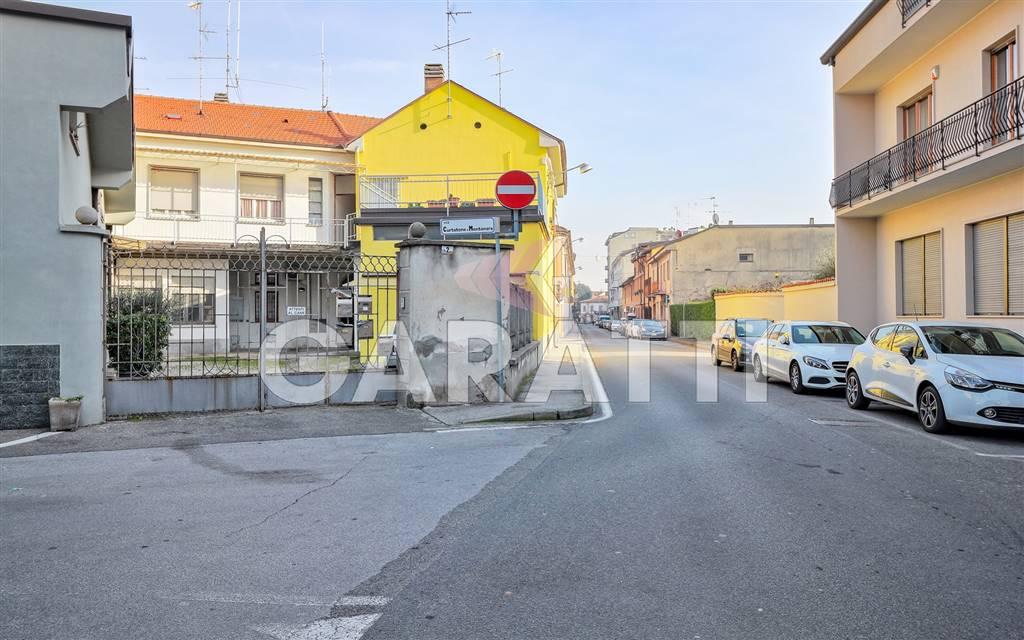 Appartamento in vendita a Lissone, 3 locali, zona Località: STAZIONE, prezzo € 123.000 | PortaleAgenzieImmobiliari.it