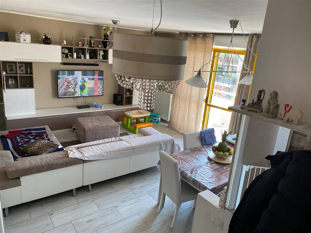 Appartamento in vendita a Lissone, 4 locali, zona Località: CENTRALE, prezzo € 195.000 | PortaleAgenzieImmobiliari.it