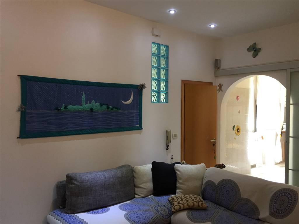 Appartamento in Via Carlo Goldoni  25, Livorno