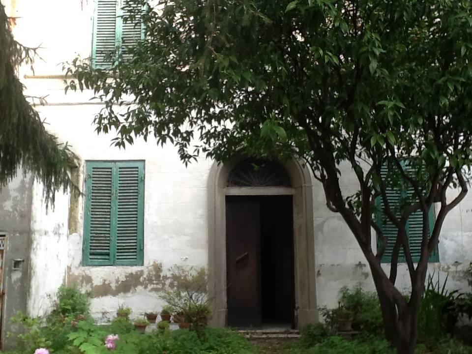 Casa singola, Livorno, da ristrutturare