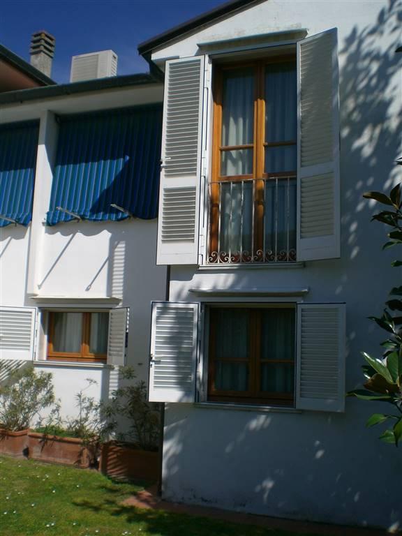 Villa, Perignano, Lari