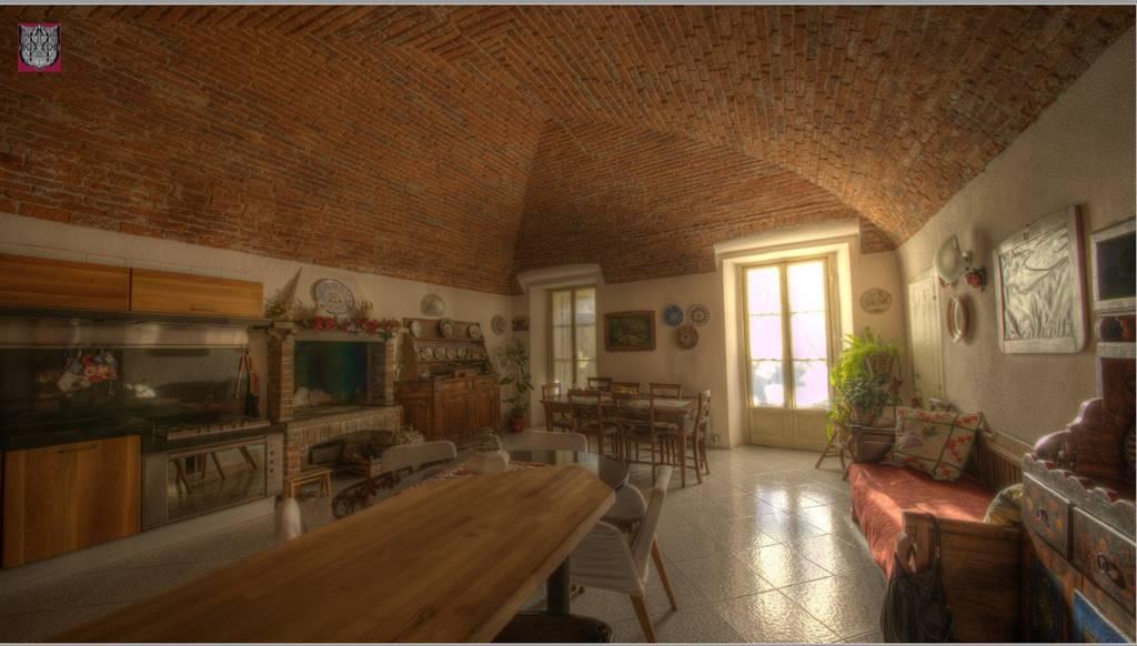 Villa, Lanzo Torinese, ristrutturata