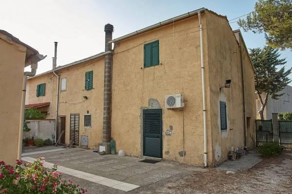 Rustico casale, Livorno, abitabile