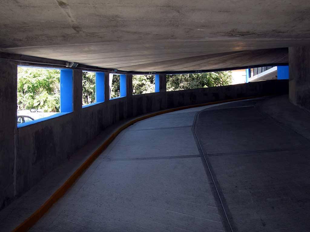 Garage / Posto auto in Via Sardi 27/a, Centro, Livorno