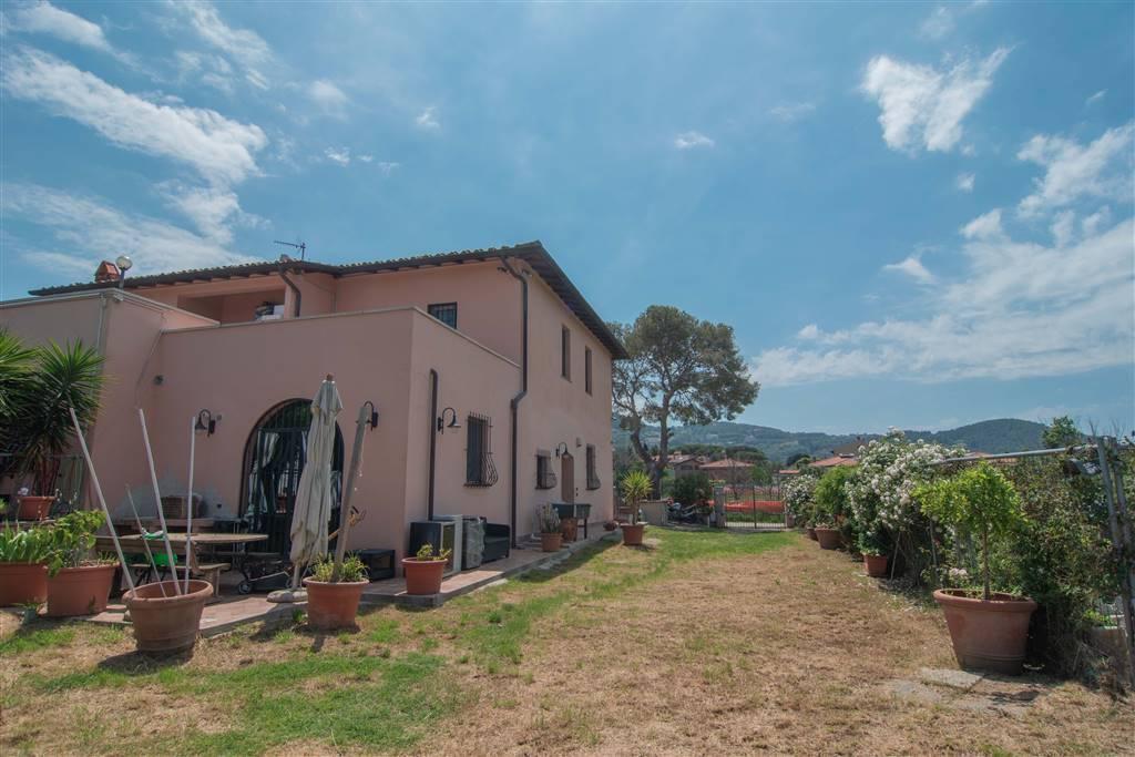 Villa, Montenero, Livorno, ristrutturata