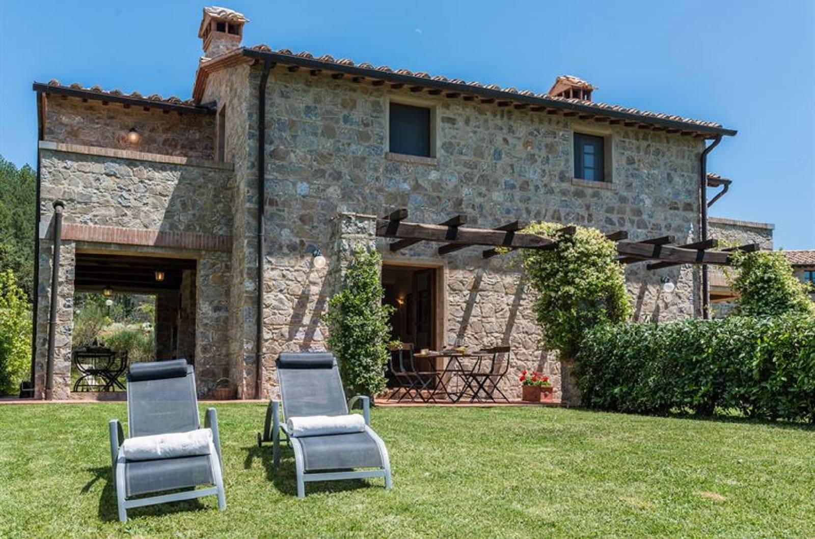 Rustico / Casale in affitto a Roccalbegna, 3 locali, zona Zona: Triana, prezzo € 4.380 | CambioCasa.it