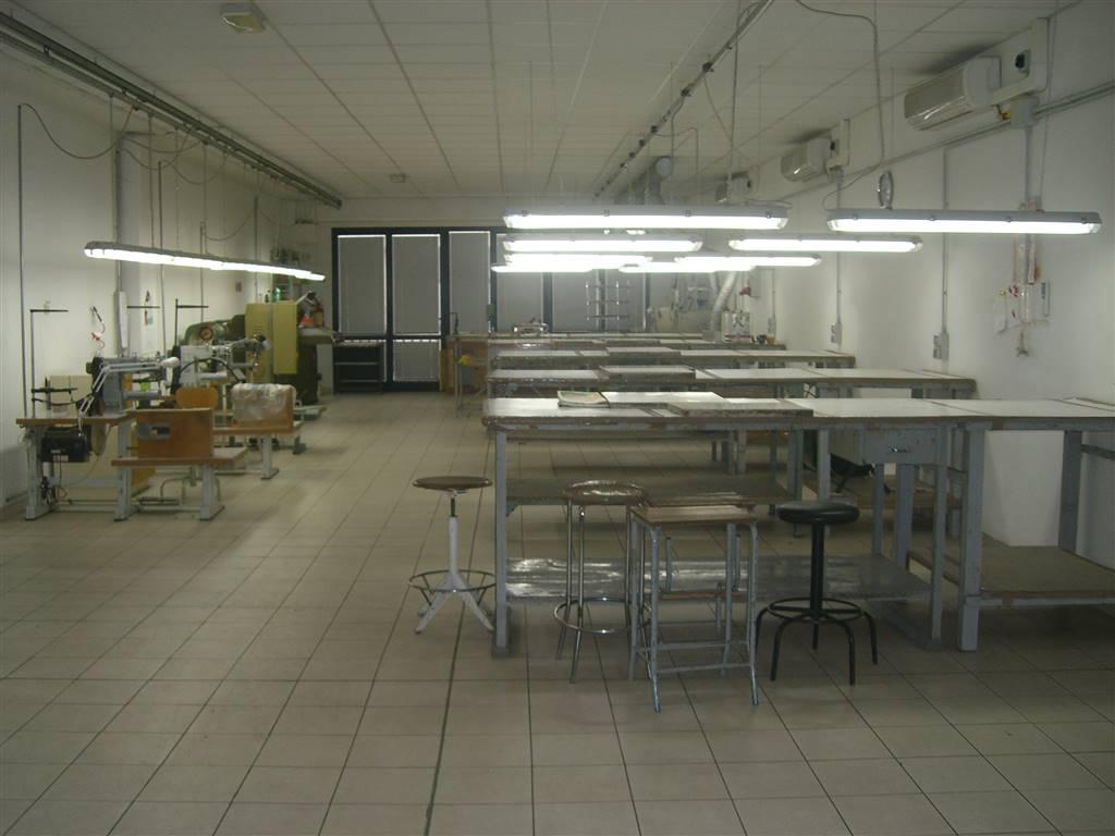 BADIA A SETTIMO, SCANDICCI, Laboratorio in vendita di 165 Mq, Ottime condizioni, Classe energetica: G, Epi: 172 kwh/m3 anno, posto al piano 1°,