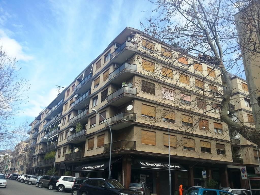 Quadrilocale in Via Santa Cecilia Isolato 88, Via Dei Mille,via G. Bruno P.zza Dante,provinciale, Messina