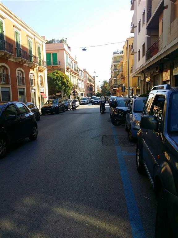 Negozio in Via Nino Bixio 125, Via Dei Mille,via G. Bruno P.zza Dante,provinciale, Messina