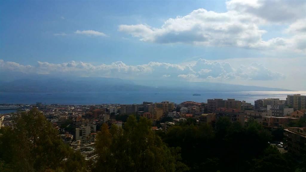 Trilocale in Via Ducezio, Messina