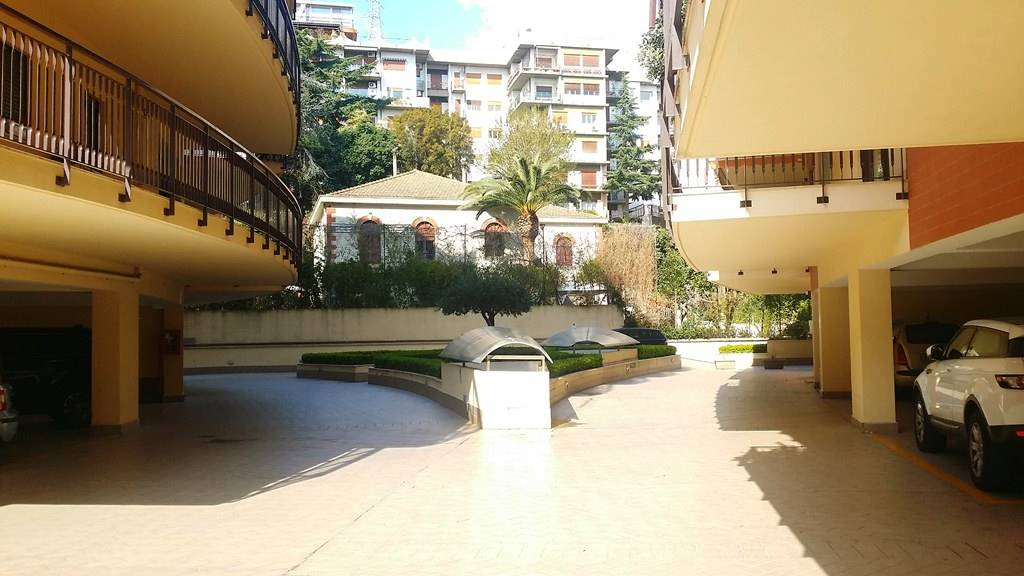 Bilocale in Viale Regina Margherita, Centro, Messina