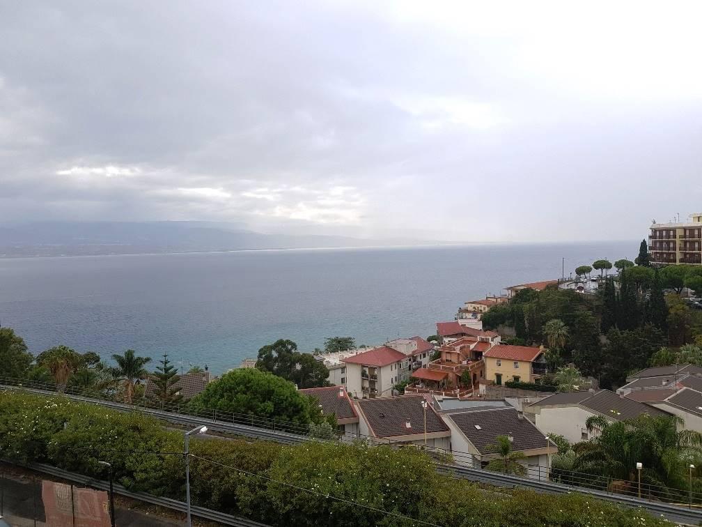 Quadrilocale in Nuova Panoramica Dello Stretto, Via C. Pompea,panoramica, Messina