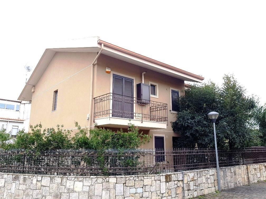 Villa a schieraaMESSINA