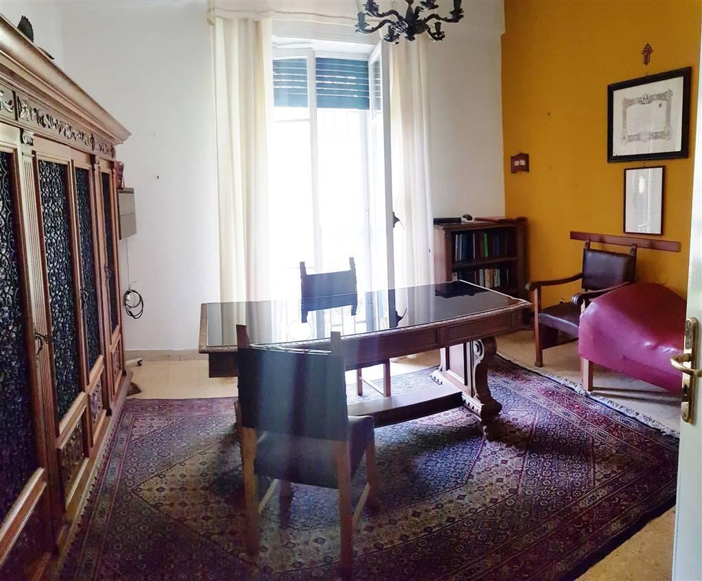 Stanza / Camera in Via Pippo Romeo 183, C. Storico: Duomo, Via Garibaldi, C.so Cavour, Messina