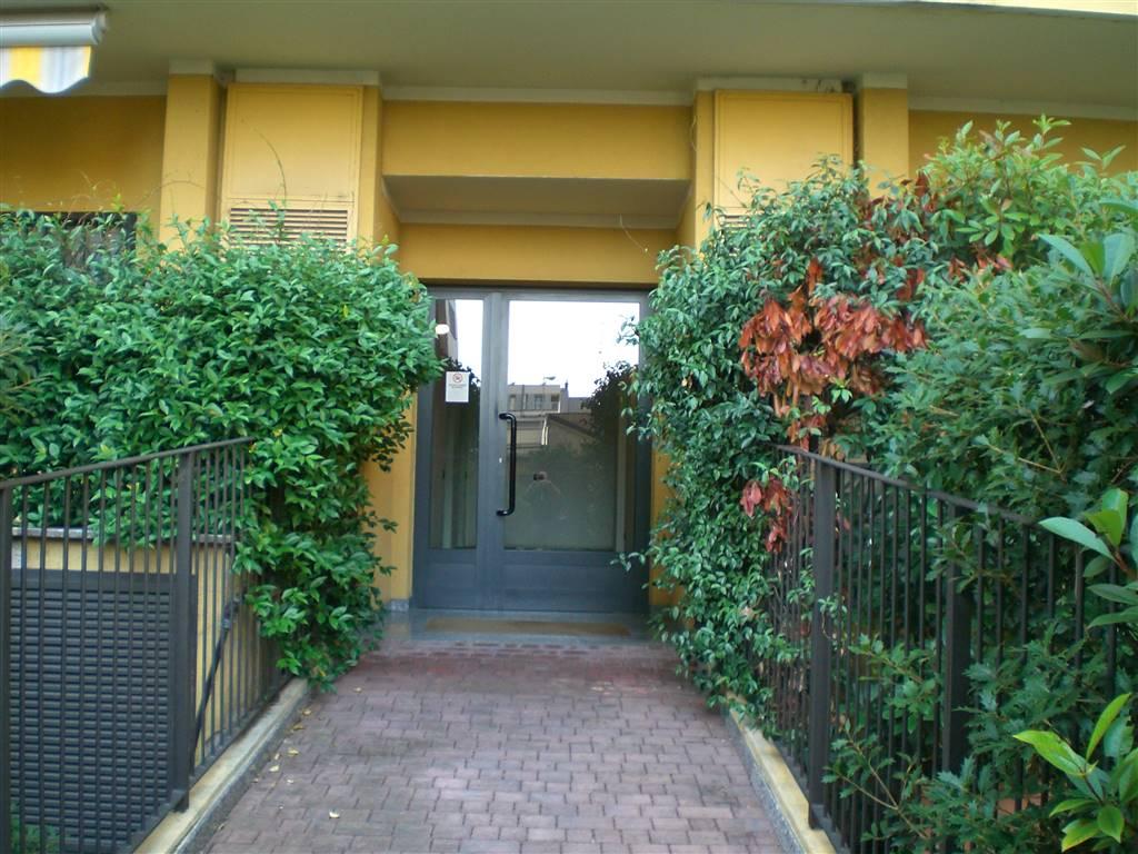 Bilocale in Via Biumi 14/a, Greco, Monza, Palmanova, Milano