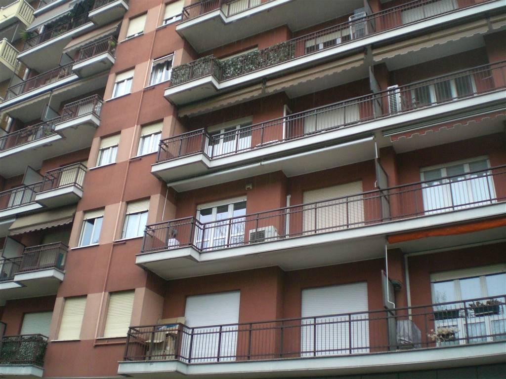 Trilocale in Via Achille Grandi 45, Sesto San Giovanni