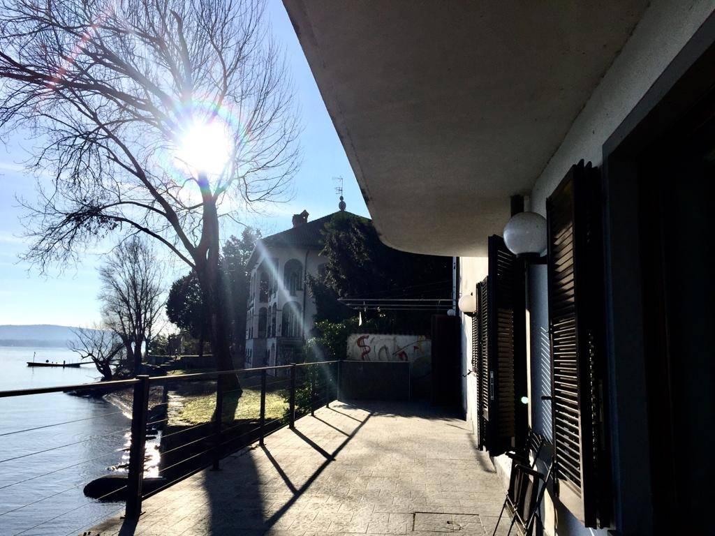 Villa in vendita a Meina, 5 locali, zona Località: GHEVIO, prezzo € 1.350.000 | PortaleAgenzieImmobiliari.it