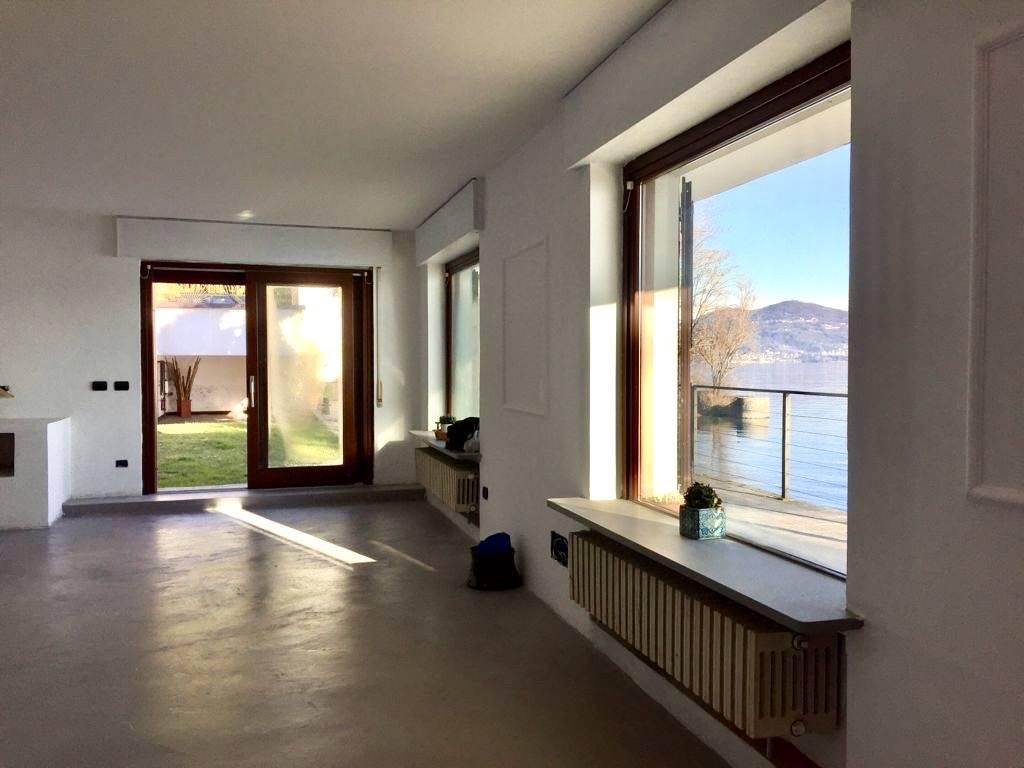 Villa in vendita a Meina, 5 locali, zona Località: GHEVIO, Trattative riservate | PortaleAgenzieImmobiliari.it