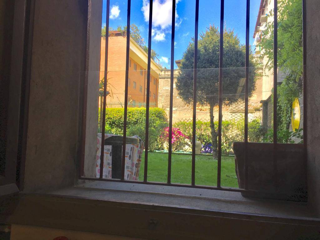 CERMENATE, MILANO, Apartment for sale of 67 Sq. mt., Habitable, Heating Centralized, Energetic class: G, Epi: 81,1 kwh/m2 year, placed at Basement on