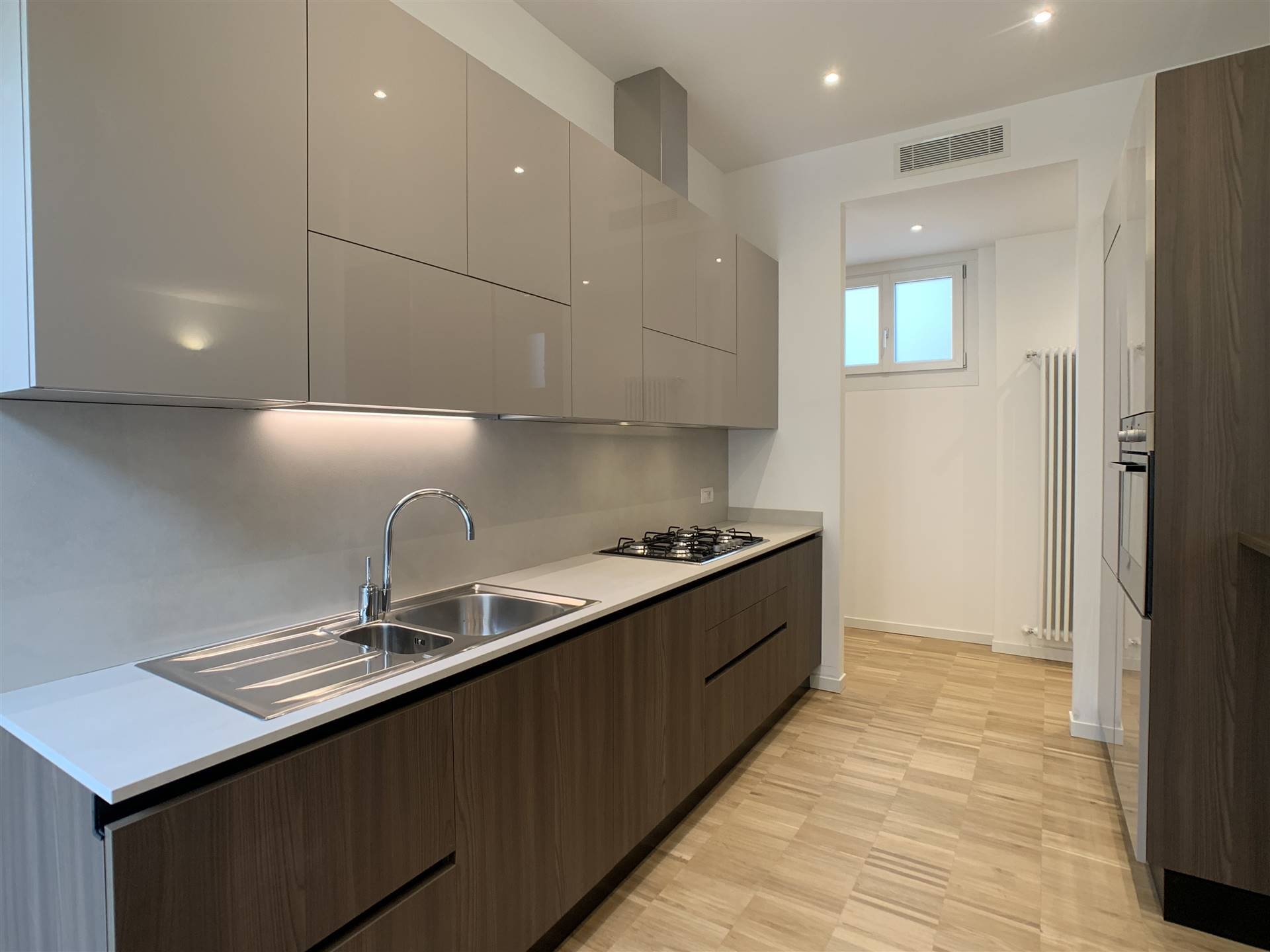 INDIPENDENZA, MILANO, Apartment for rent of 95 Sq. mt., Restored, Heating Centralized, Energetic class: G, Epi: 610,66 kwh/m2 year, placed at 3° on 5, composed by: 3 Rooms, Show cooking, , 2 Bedrooms,