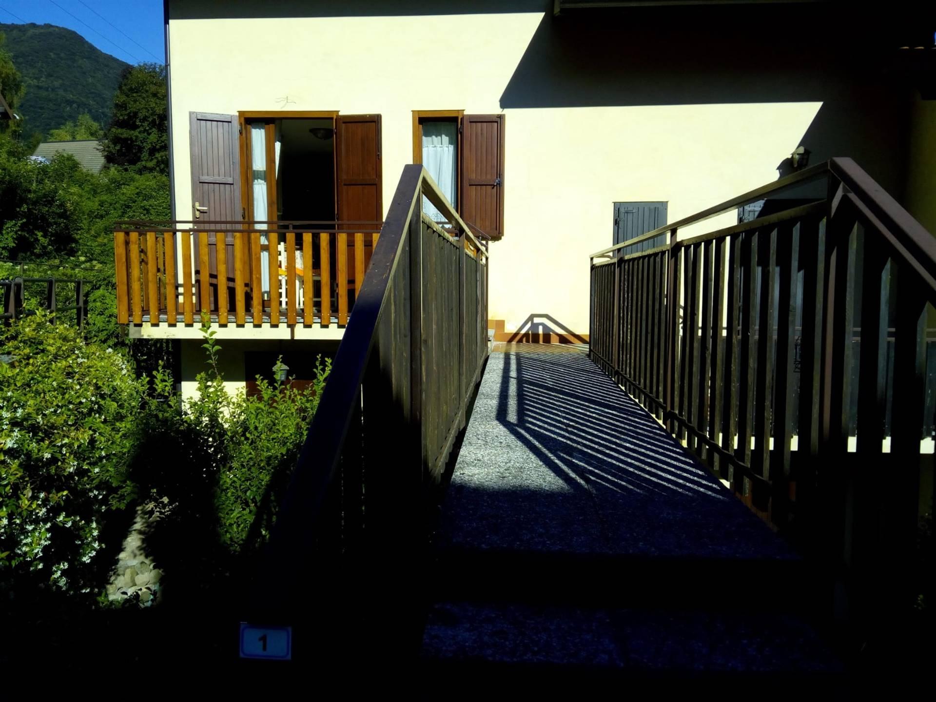 VIA NUOVA PER PIAZZO - PARLASCO - In Alta Valsassina, situato all'interno del parco delle Grigne si trova il piccolo paese di Parlasco, uno dei più