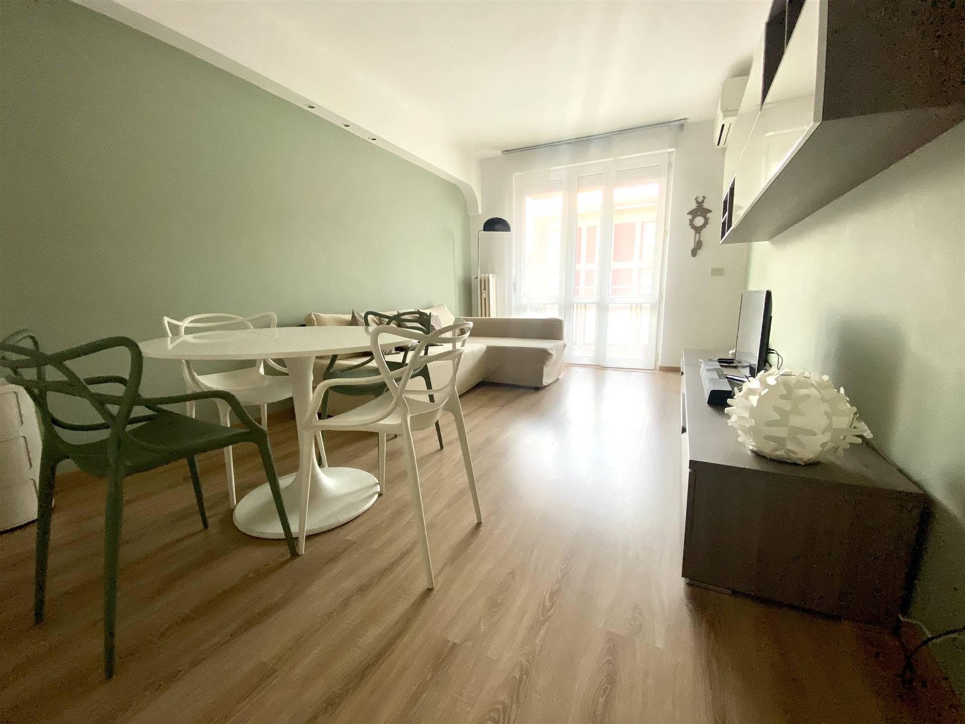 SEMPIONE, MILANO, Квартира в аренду, После ремонта, Отопление Централизиванное, Класс энергосбережения: G, Epi: 256,4 kwh/m2 год, на земле 7° на 8, состоит из: 2 Помещения, Кухня, , 1 Комнаты, 1