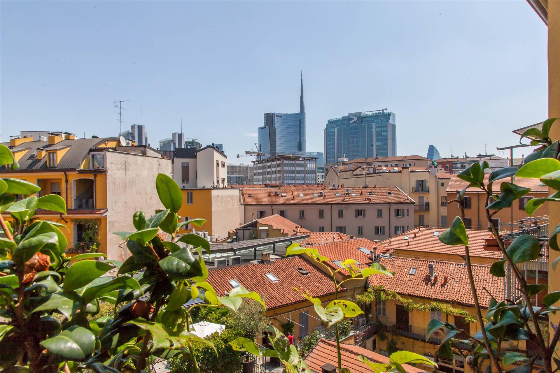 STAZIONE GARIBALDI, MILANO, Пентхауз на продажу, Xорошо, Отопление Независимое, Класс энергосбережения: G, Epi: 175 kwh/m2 год, на земле 4° на 4, состоит из: 3 Помещения, Подвергаться, , 2 Комнаты, 2