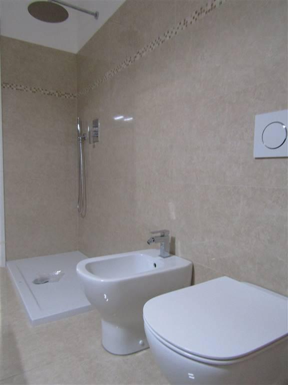 doccia e sanitari bagno padronale