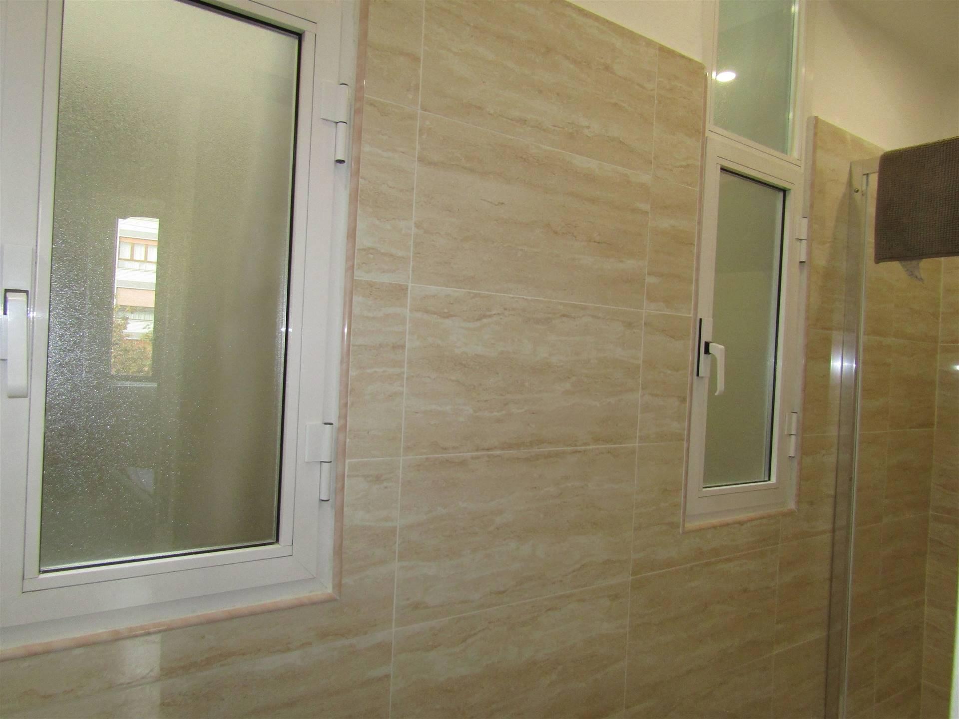 doppia finestrta bagno