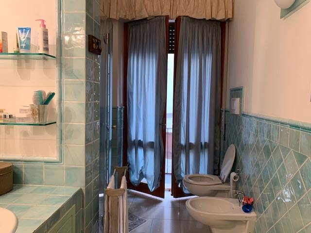 bagno con doccia - Rif. 2/5v