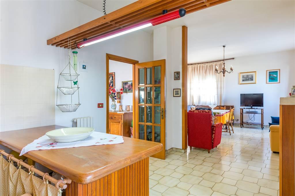 Appartamento in vendita a Otranto, 4 locali, zona Località: ALIMINI, prezzo € 263.000 | CambioCasa.it