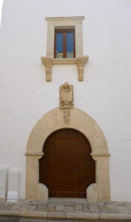Negozio in Via Cappuccini 37, Putignano