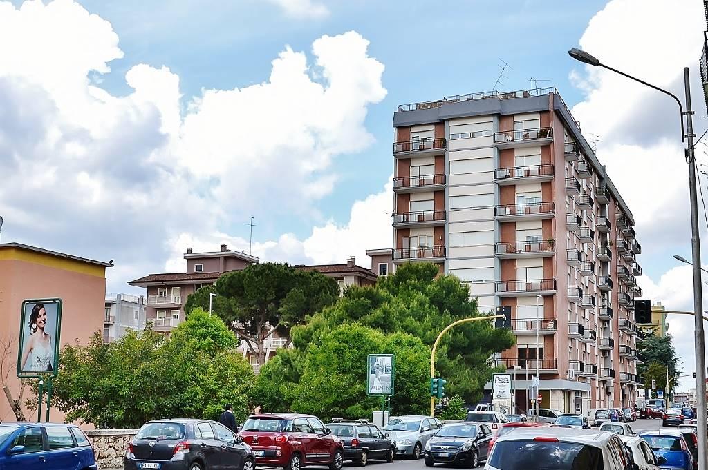 Trilocale in Via Tenente Pietro Sbiroli 3, Putignano