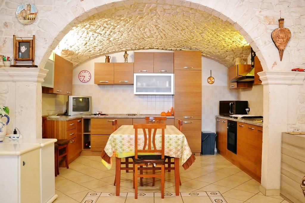 Casa singola in Via Osteria 13, Putignano