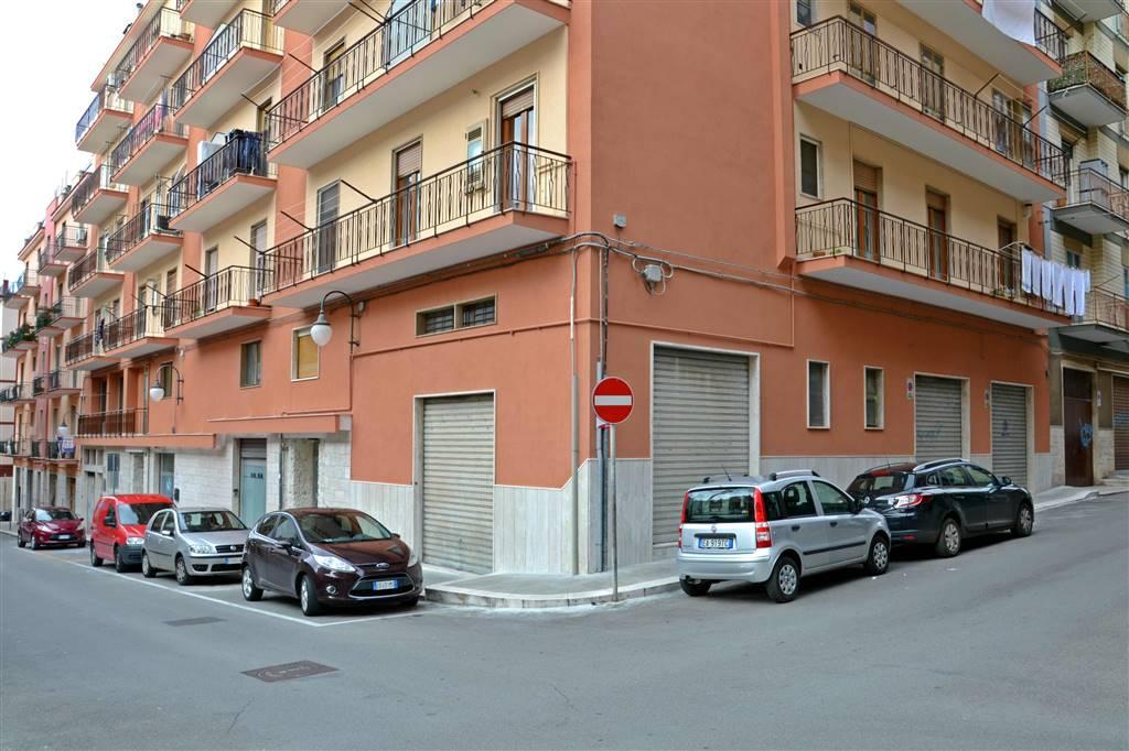 Negozio in Via Antonio Karusio 22, Putignano