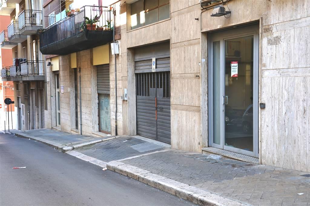 Negozio in Via Antonio Karusio 4, Putignano