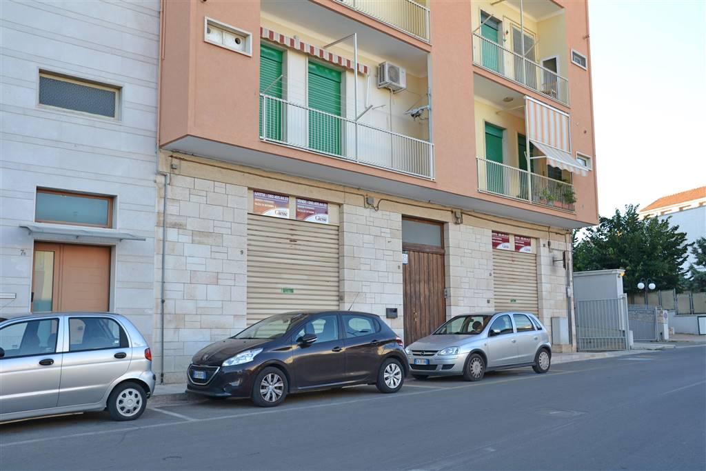 Negozio in Via San Benedetto  9, Castellana Grotte